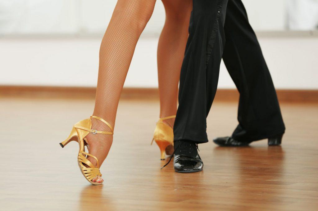 Tanzen-beine-schoen